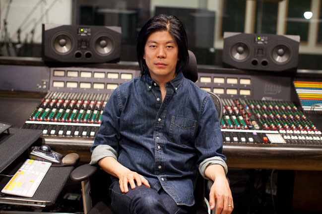 James Iha official studio photo